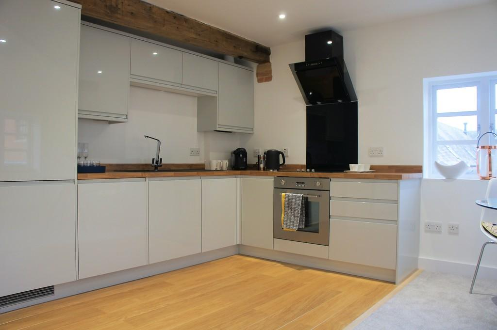 2 Bedrooms Apartment Flat for sale in Coach House Mews, Beoley, Nr Ullenhall, B98 9ET