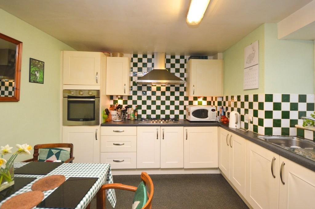 3 Bedrooms Semi Detached House for sale in Ogwen Street, Bethesda, North Wales
