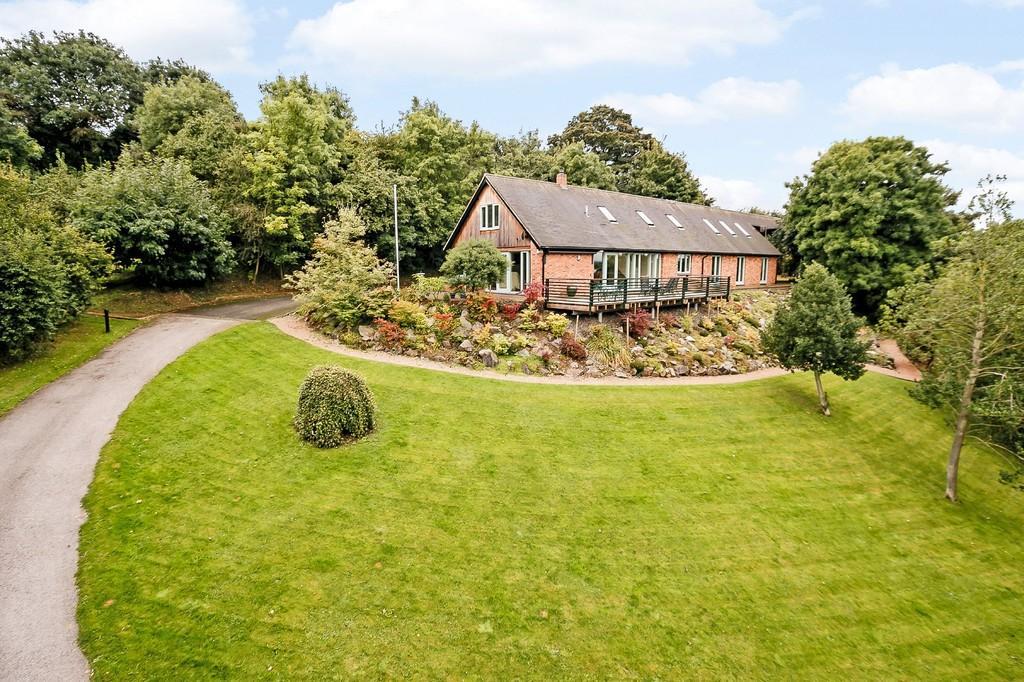 5 Bedrooms Detached House for sale in Hillside, Castle Donington