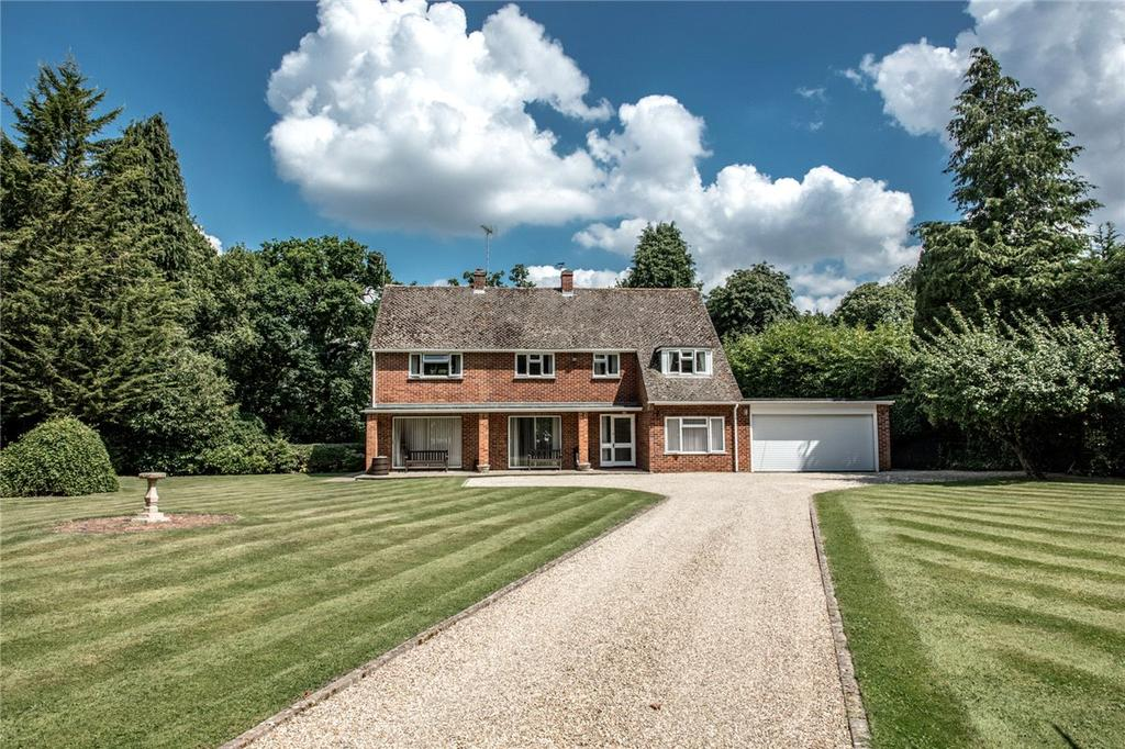 4 Bedrooms Detached House for sale in Brimpton Common, Reading, Berkshire, RG7