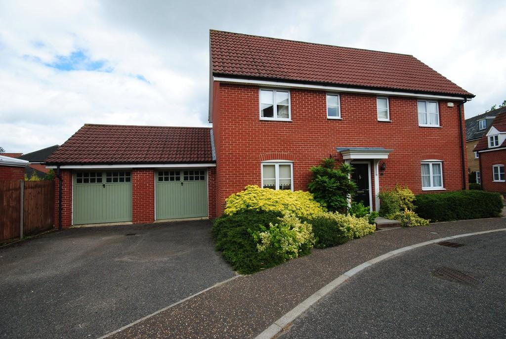 4 Bedrooms Detached House for sale in Upgate, Tharston
