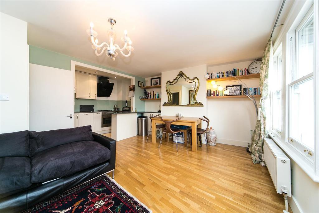 2 Bedrooms Flat for sale in Little Chelsea, Barnes, SW13