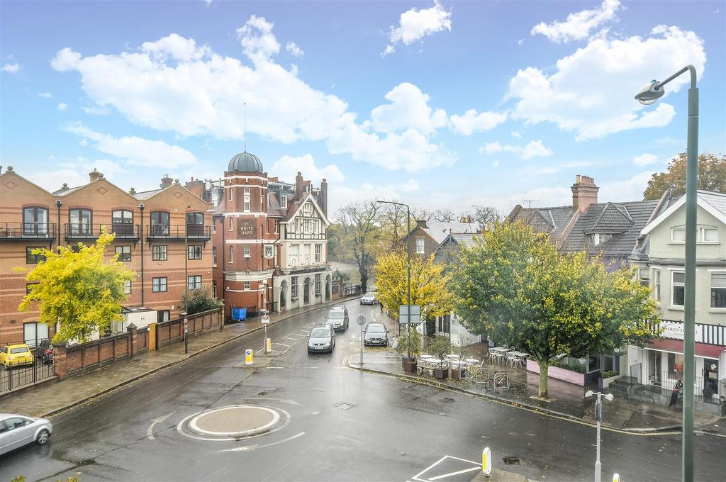 2 Bedrooms Flat for sale in The Broadway, Barnes
