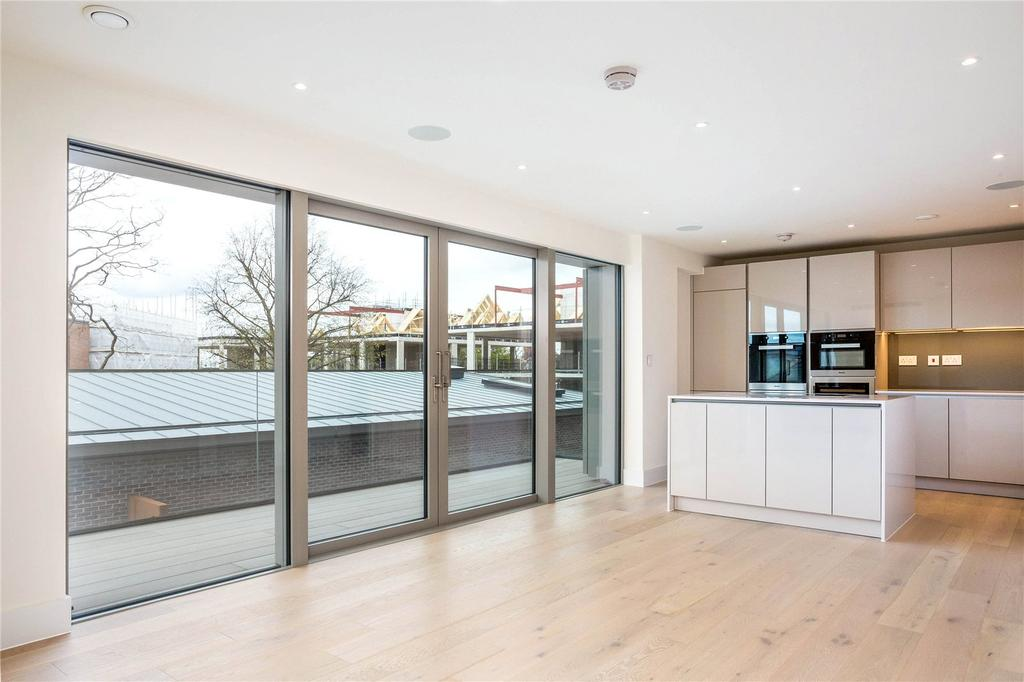 3 Bedrooms Flat for sale in Kidderpore Green, Kidderpore Avenue, London, NW3