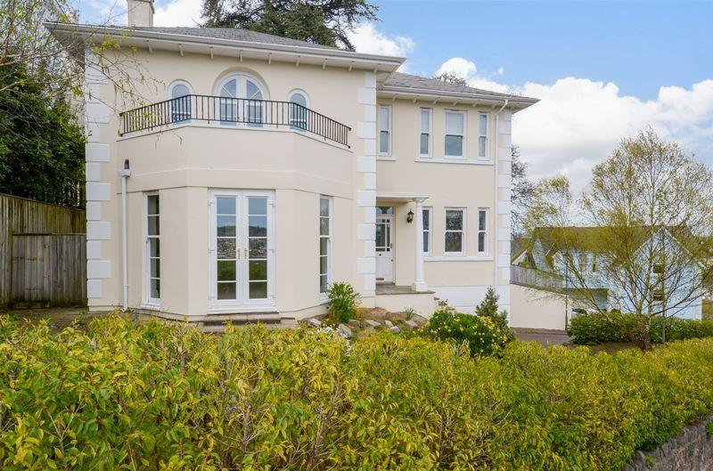 4 Bedrooms Detached House for sale in Newton Abbot