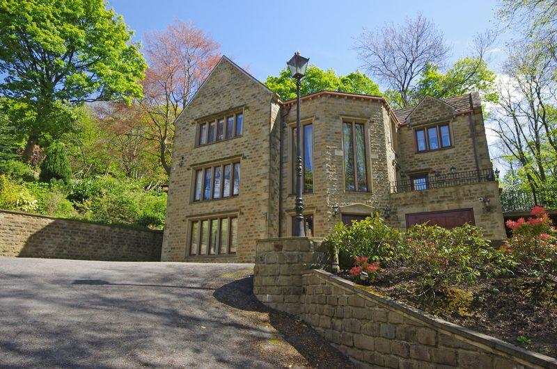 4 Bedrooms Detached House for sale in Orchard House, Burnley Road, Halifax, HX2 7LW