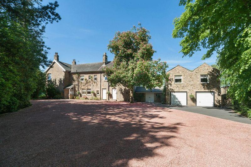 6 Bedrooms Detached House for sale in Halton Grange, Wall, Hexham