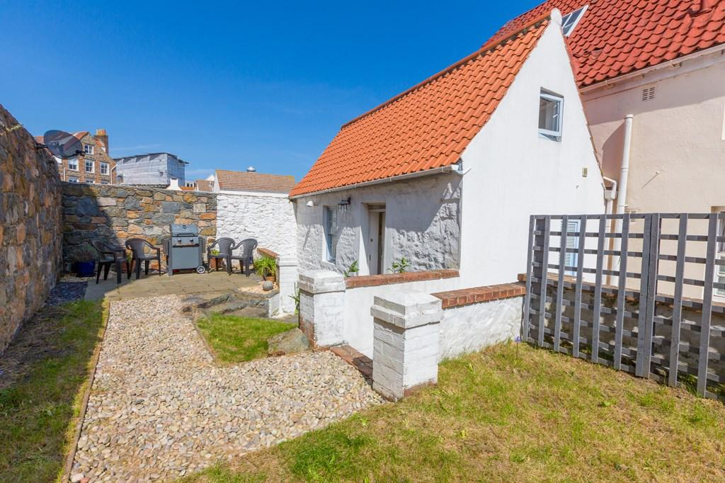 1 Bedroom Semi Detached House for sale in Cliff Street, St. Peter Port, Guernsey