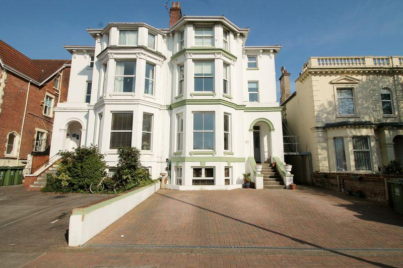 2 Bedrooms Apartment Flat for sale in Victoria Road South, Southsea