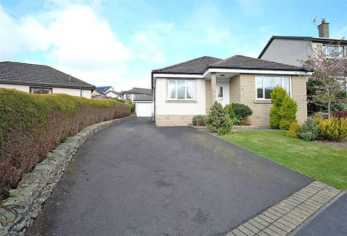 3 Bedrooms Bungalow for sale in 14 Leyden Grove, Clovenfords, TD1 3NF