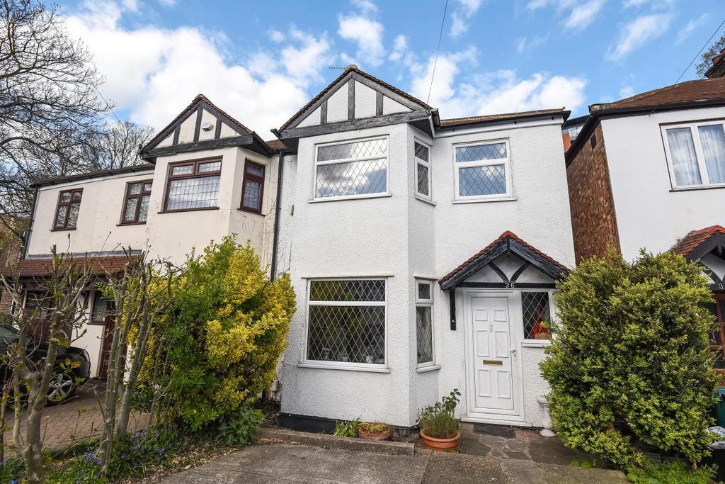 3 Bedrooms Semi Detached House for sale in Ravensbourne Road, Bromley