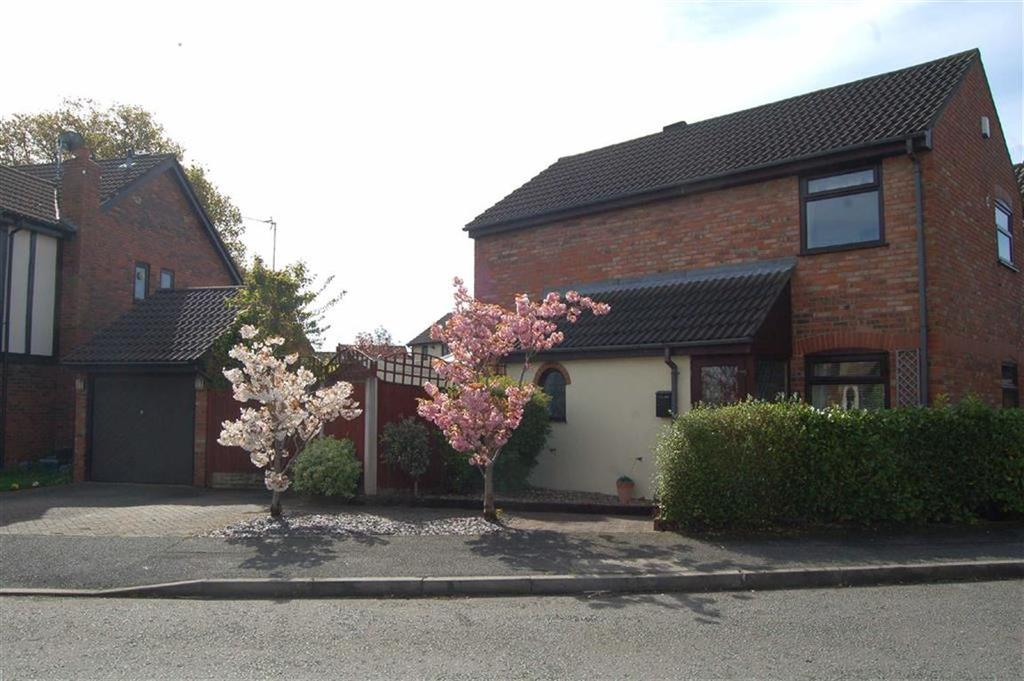 3 Bedrooms Detached House for sale in Juniper Drive, Great Sutton, Ellesmere Port