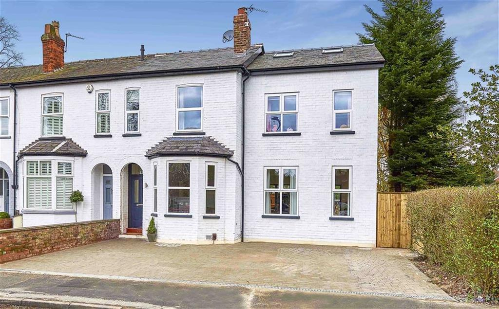 4 Bedrooms Semi Detached House for sale in Heyes Lane, Timperley, Cheshire, WA15