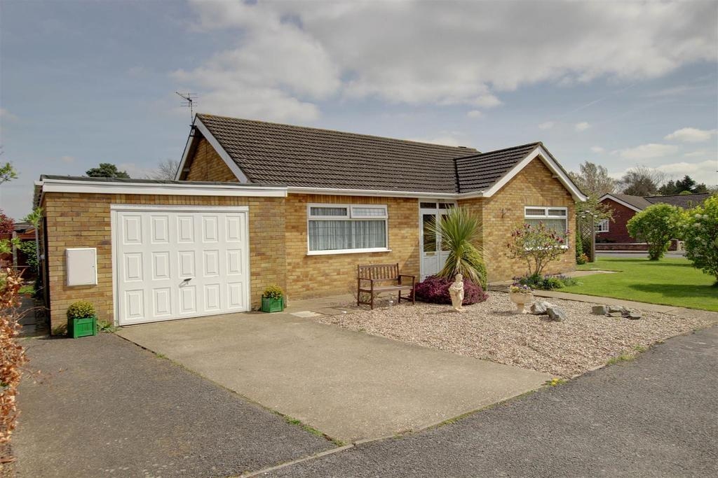 2 Bedrooms Detached Bungalow for sale in 3 Coles Avenue, Alford