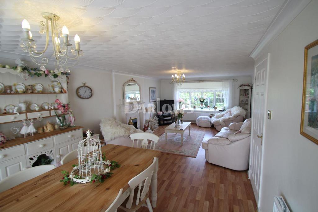 3 Bedrooms Detached House for sale in Beechwood Drive Heol Gerrig