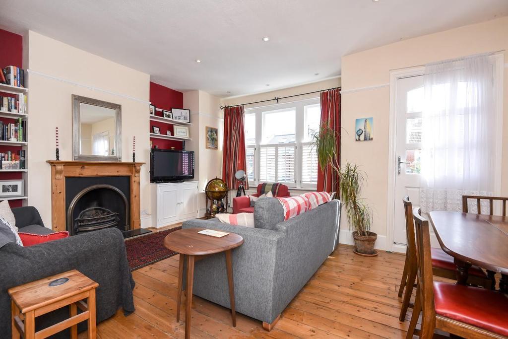 3 Bedrooms Maisonette Flat for sale in Replingham Road, Southfields