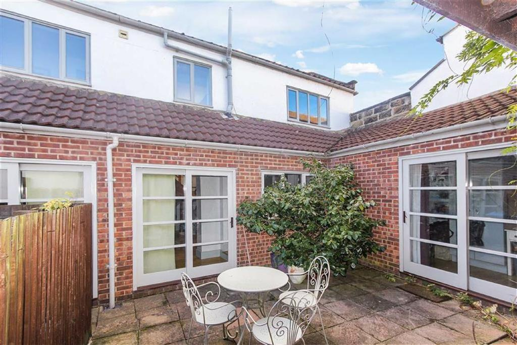 3 Bedrooms Cottage House for sale in College Square, Stokesley