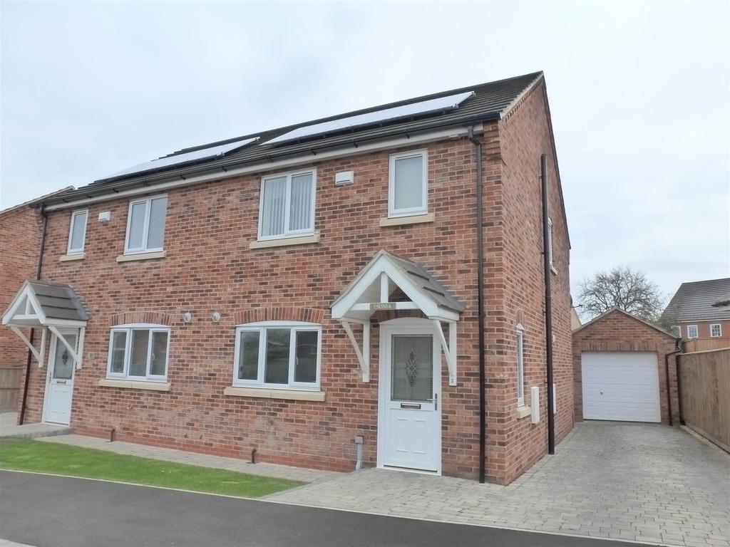3 Bedrooms Semi Detached House for sale in Grampian Avenue, Healing