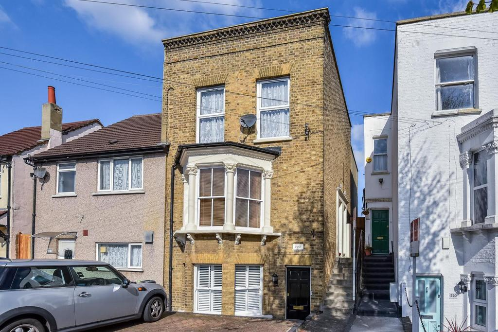 1 Bedroom Flat for sale in Birkbeck Road, Beckenham