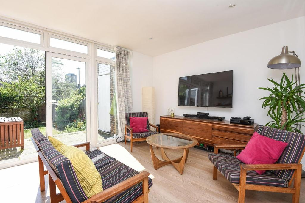 3 Bedrooms Terraced House for sale in Linstead Way, Southfields, SW18