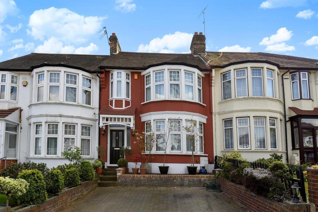 3 Bedrooms Terraced House for sale in Bourne Hill, Palmers Green, N13