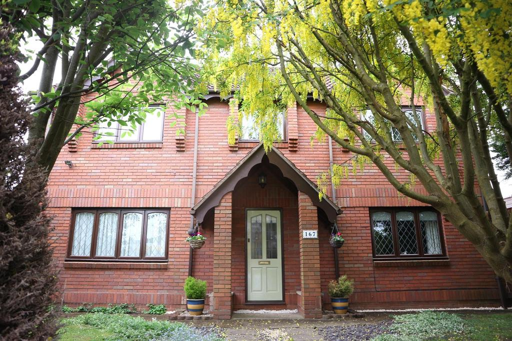 4 Bedrooms Detached House for sale in Hagley Road, Stourbridge