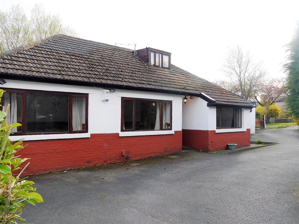 2 Bedrooms Detached Bungalow for sale in Wimborne Drive, Allerton, Bradford, BD15 7AH