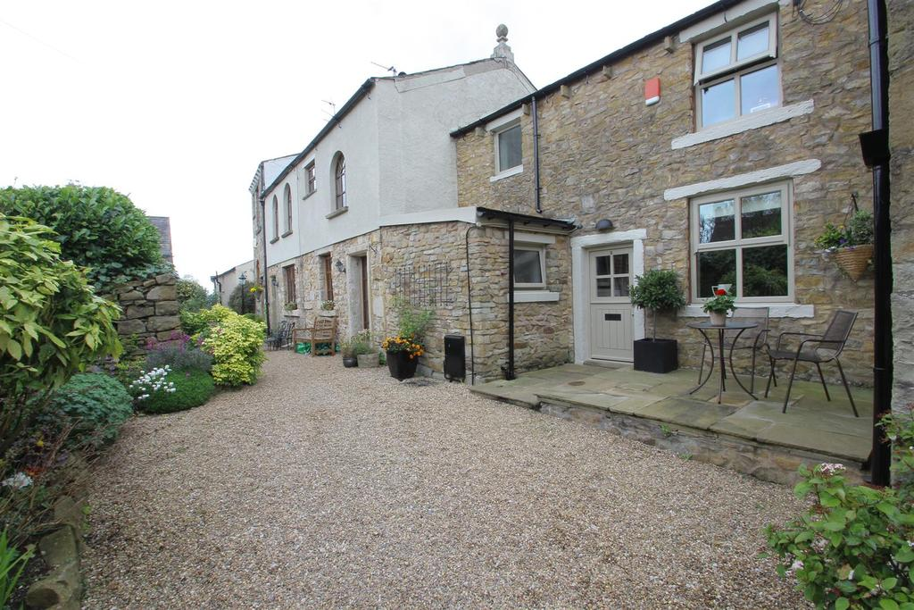 2 Bedrooms Cottage House for sale in Chapel Fold, Wiswell,