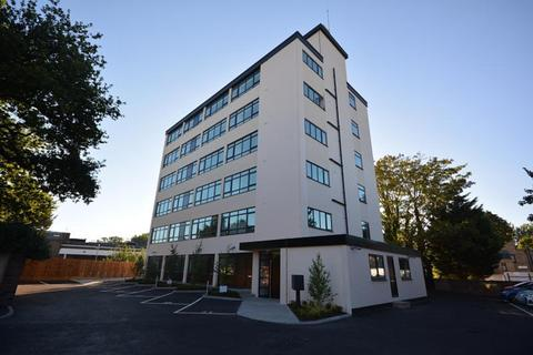 2 bedroom apartment to rent - Celmeres Court, Springfield Road, Chelmsford, Essex, CM2