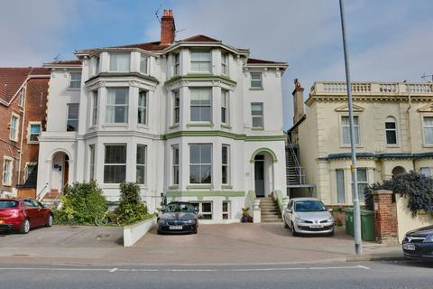 2 bedroom flat for sale - Victoria Road South, Southsea