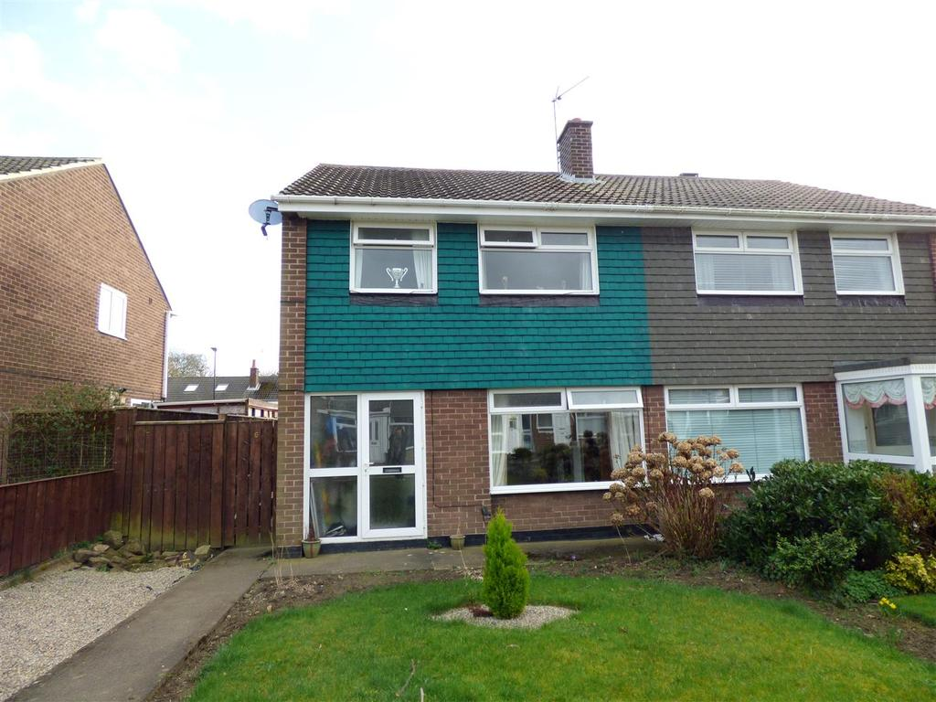 3 Bedrooms Semi Detached House for sale in Witton Grove, Dairy Lane, Houghton Le Spring