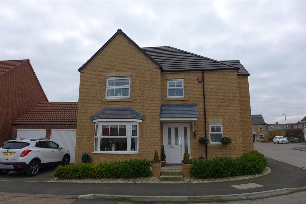 4 Bedrooms Detached House for sale in Clarence Court
