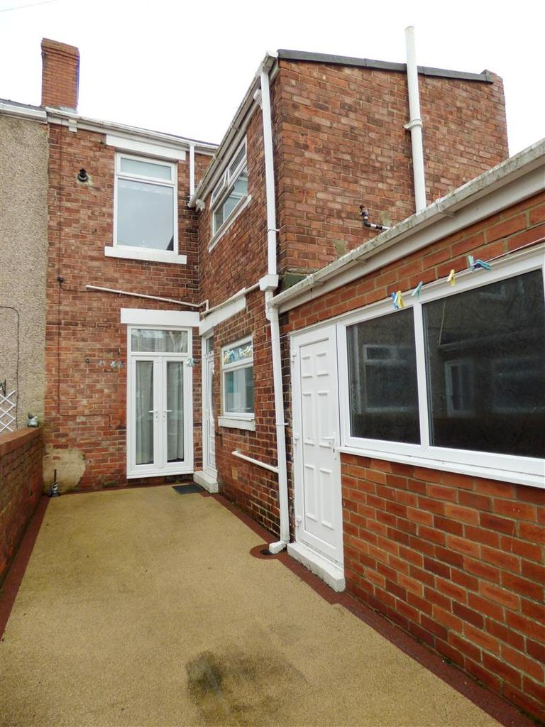 3 Bedrooms Terraced House for sale in Station Road, Hetton-Le-Hole