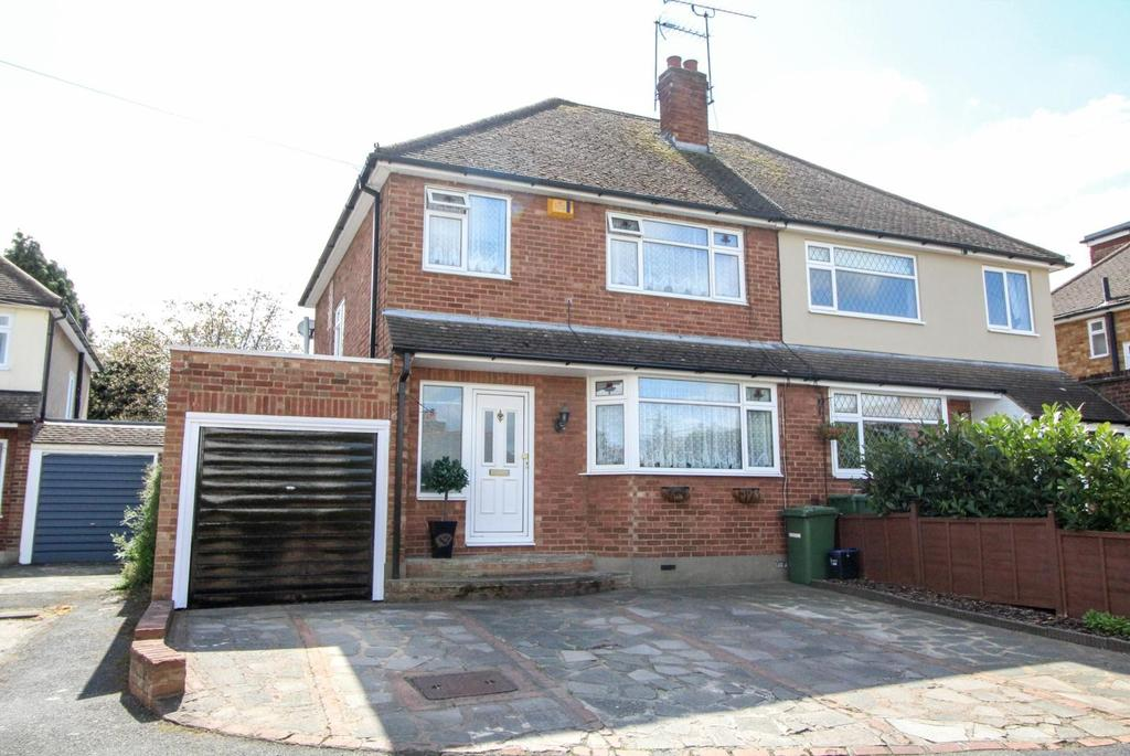 4 Bedrooms Semi Detached House for sale in The Chase, Ingrave, Brentwood, Essex, CM13