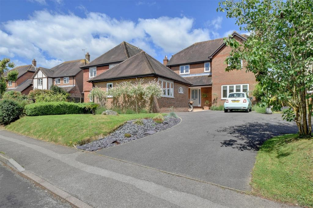 4 Bedrooms Detached House for sale in Love Lane, PETERSFIELD, Hampshire