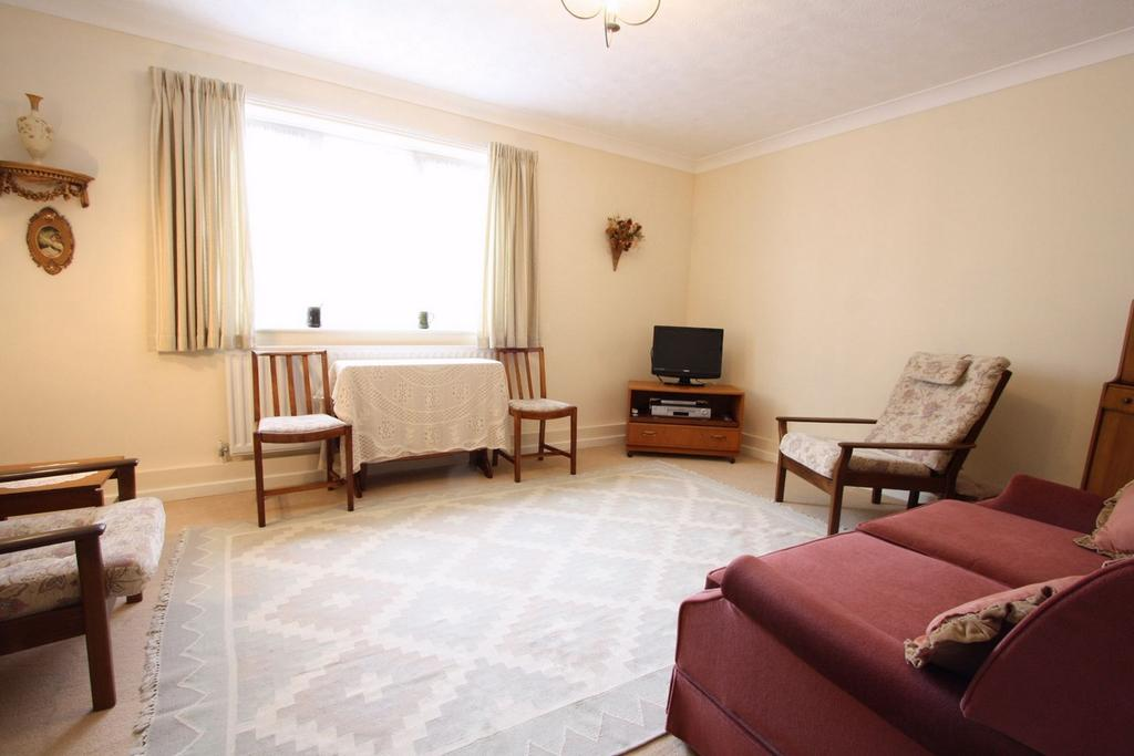 1 Bedroom Retirement Property for sale in Elm Court, Retirement Flat, BRIGHTON, East Sussex