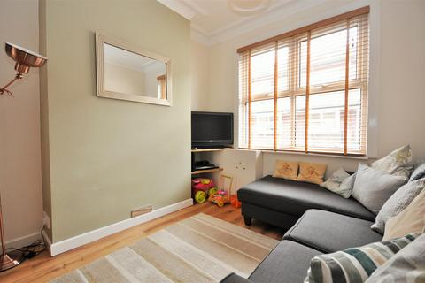 2 bedroom terraced house for sale - River Street, Clementhorpe ,York