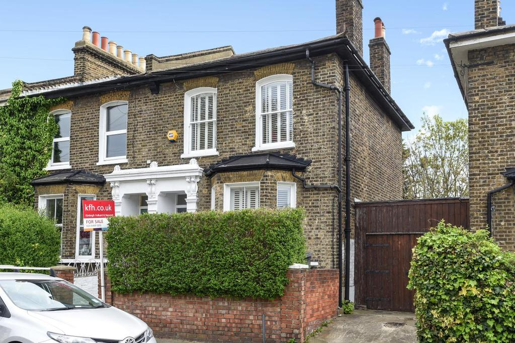3 Bedrooms Terraced House for sale in St. Donatts Road, New Cross