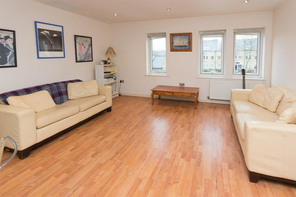 2 Bedrooms Flat for sale in Olympian Court, YORK