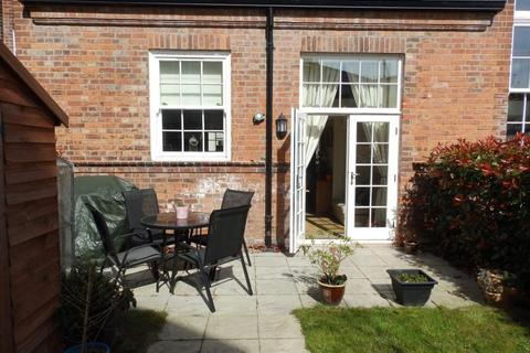 2 bedroom terraced house to rent - BOOTHAM GREEN, NEWBOROUGH STREET, YO30 7EJ