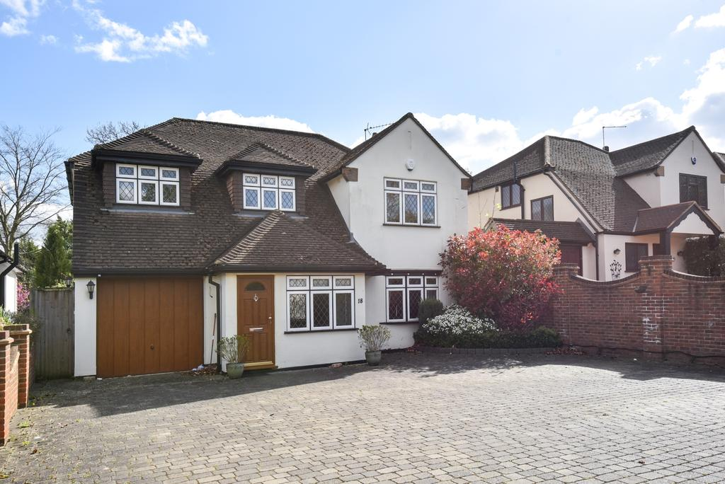 4 Bedrooms Detached House for sale in Berens Way Chislehurst BR7