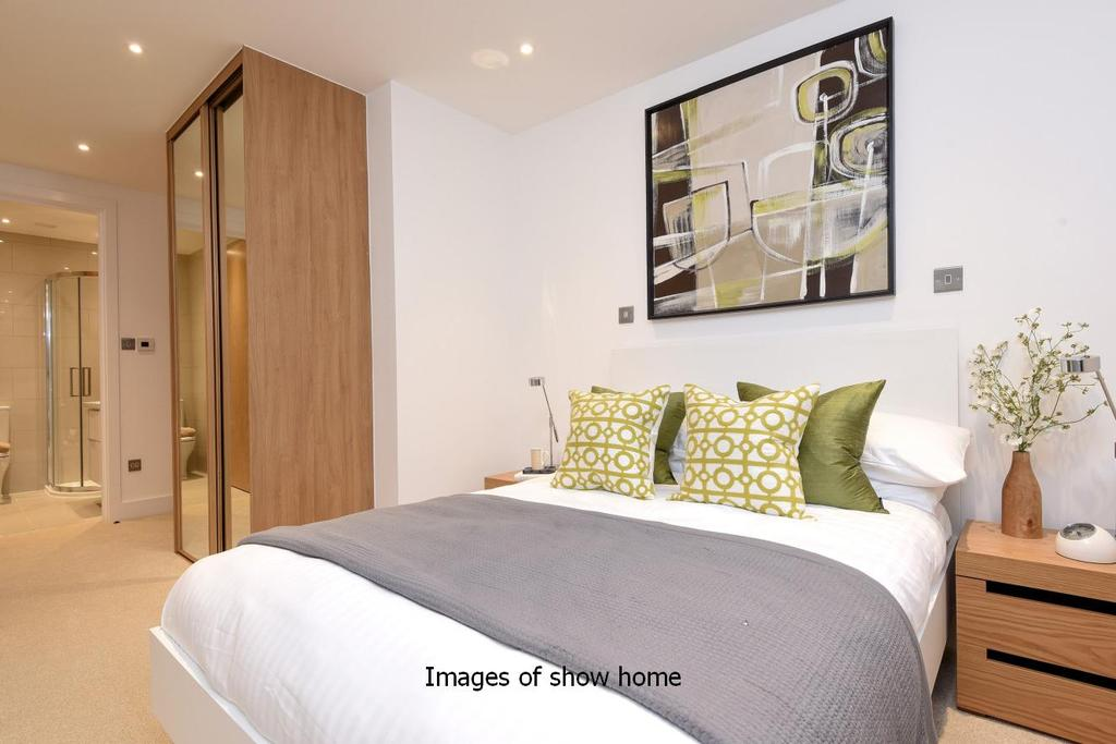 2 Bedrooms Flat for sale in Larkhall Quarter, Edgeley Road, Clapham