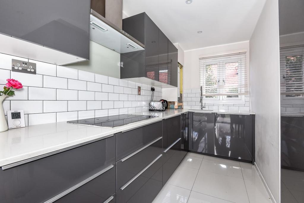 3 Bedrooms Terraced House for sale in Langdon Way, Bermondsey