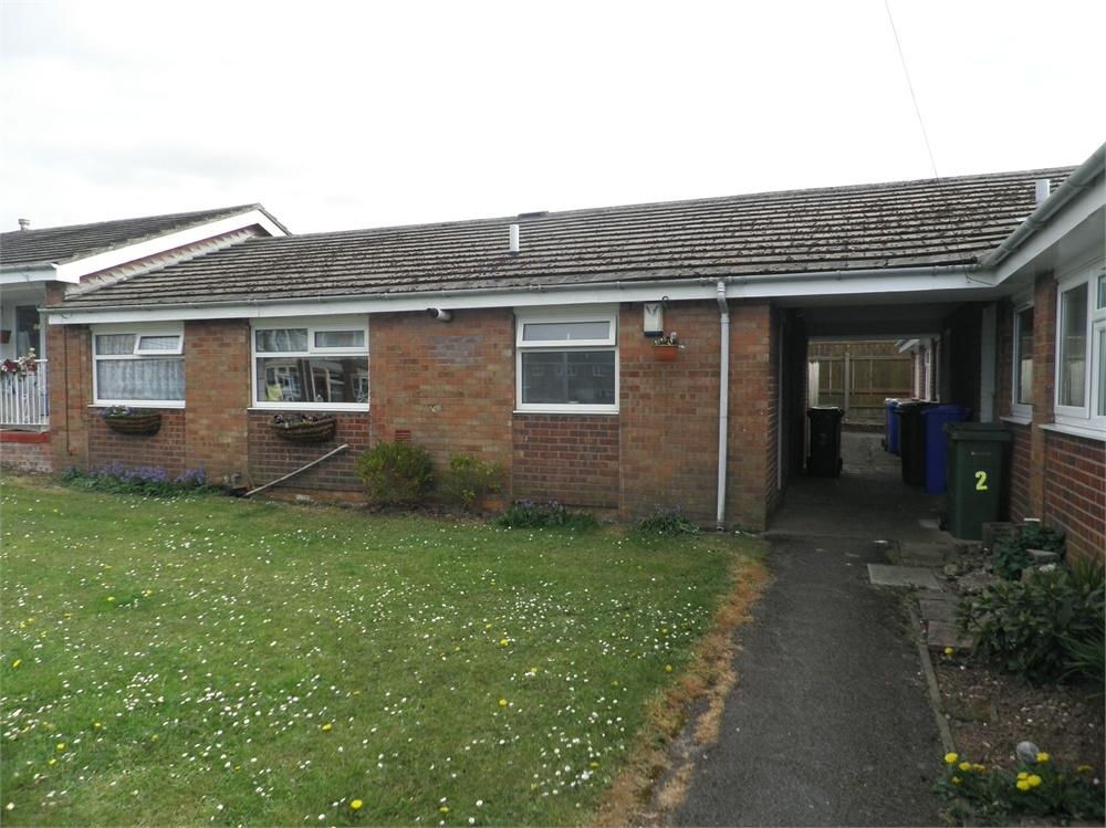 3 Bedrooms Semi Detached Bungalow for sale in 3 Francis Avenue, Withernsea, East Riding of Yorkshire