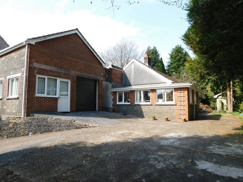 3 Bedrooms Detached House for sale in Pen Yr Alltwen , Alltwen, Pontardawe, Swansea.