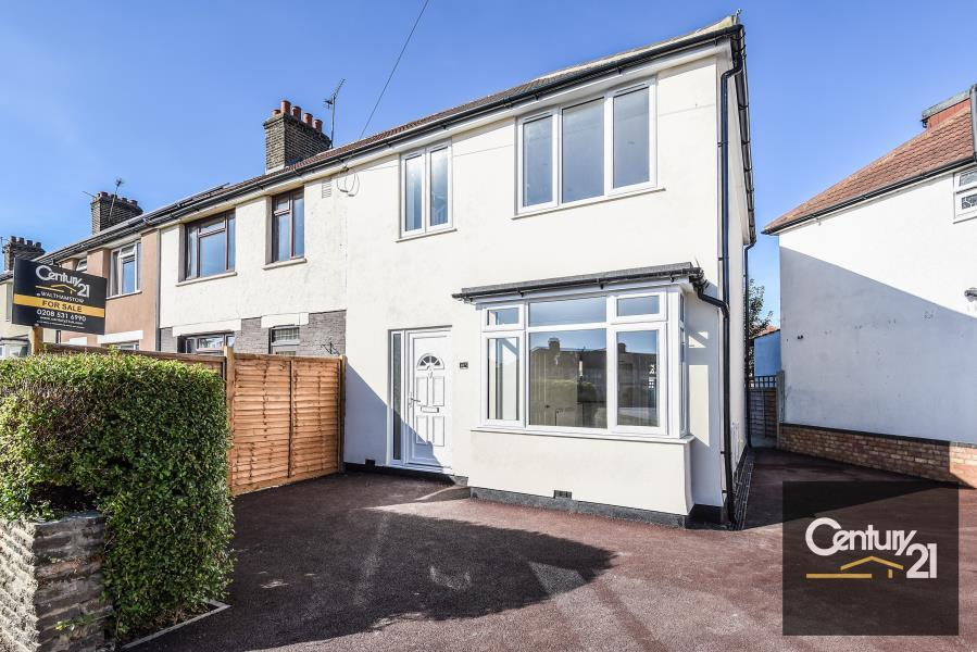 3 Bedrooms End Of Terrace House for sale in 3 Bedroom House, Lawrence Avenue, London E17