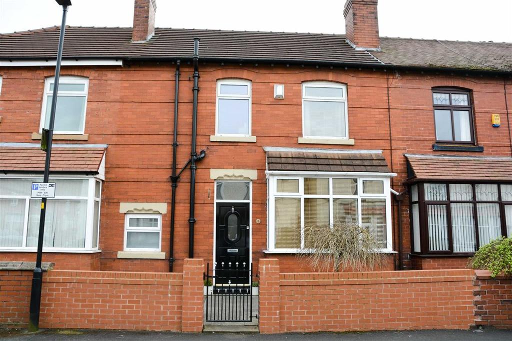 3 Bedrooms Terraced House for sale in The Avenue, Swinley, Wigan, WN1