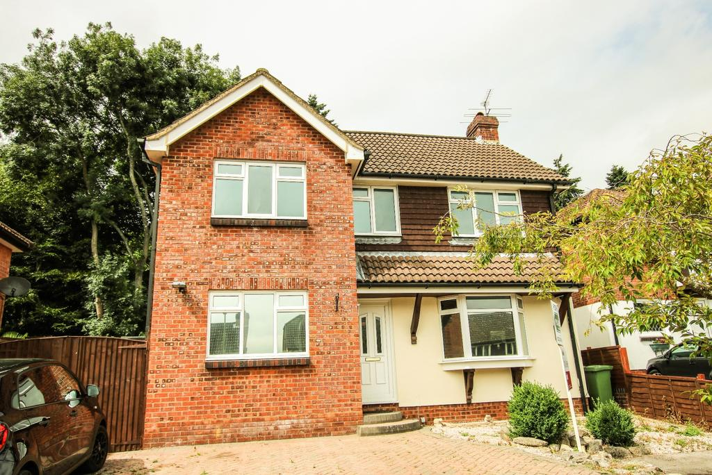 4 Bedrooms Detached House for sale in BISHOPSTOKE