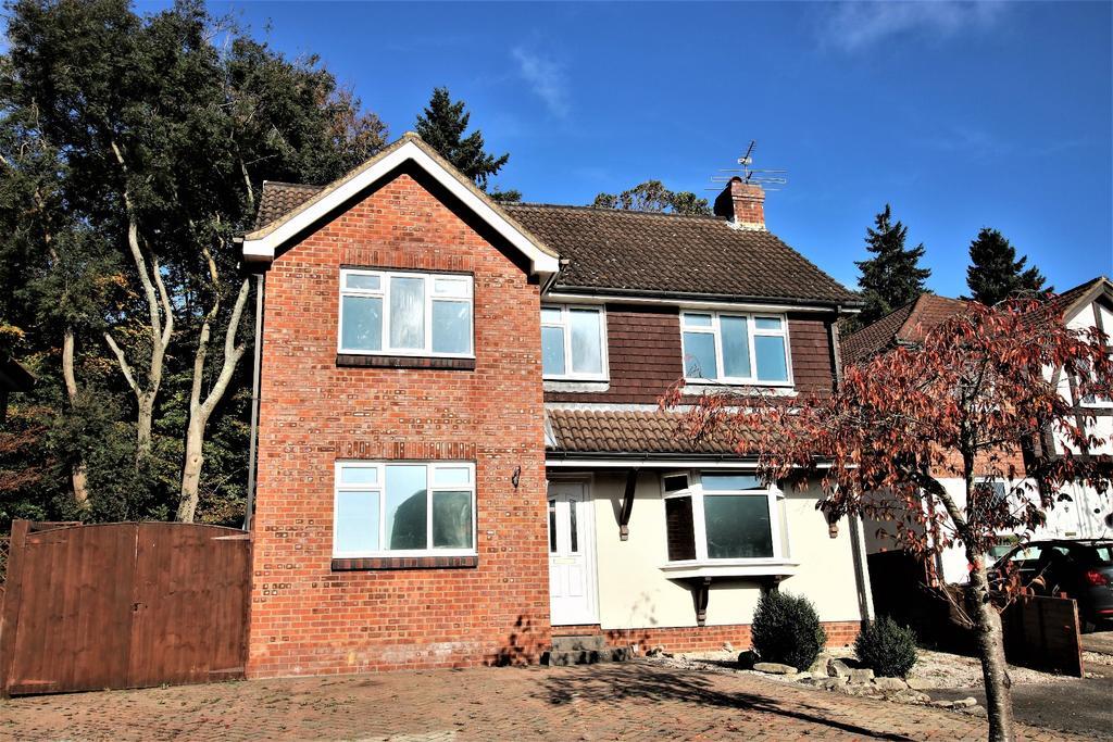 4 Bedrooms Detached House for sale in BISHOPSTOKE, EASTLEIGH
