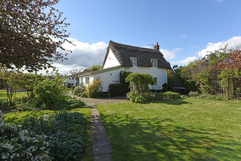 3 Bedrooms Detached House for sale in Old Newton, Nr Stowmarket, Suffolk